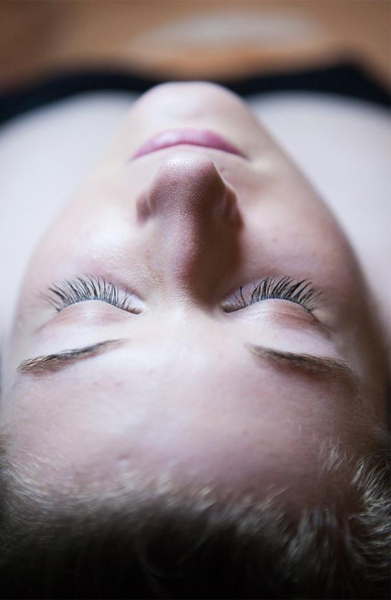 Épilation Visage (Lèvres + Sourcils)